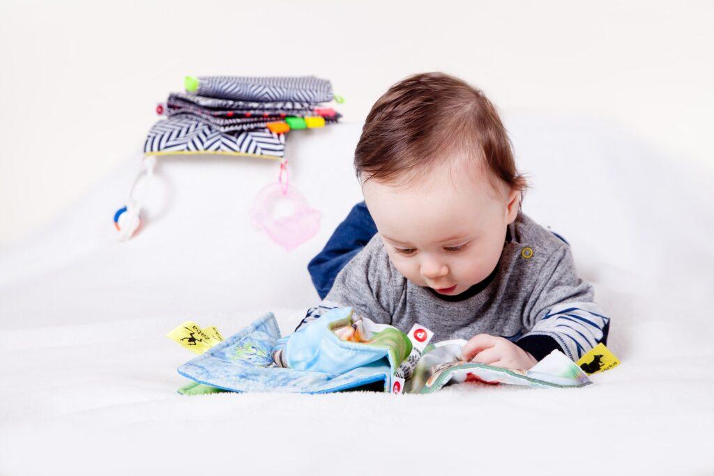 Bayi belajar matematika