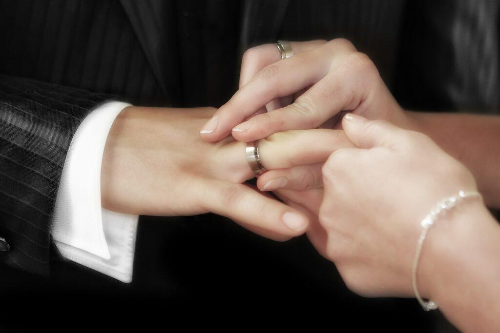 Mapan Dulu Baru Menikah (Gambar oleh Frank Winkler dari Pixabay)