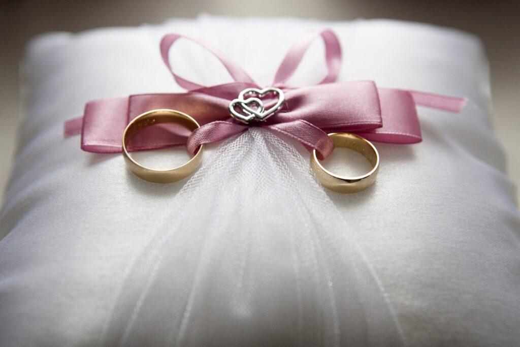 Persiapan Menikah (Gambar oleh Agnieszka Kaczynska dari Pixabay)