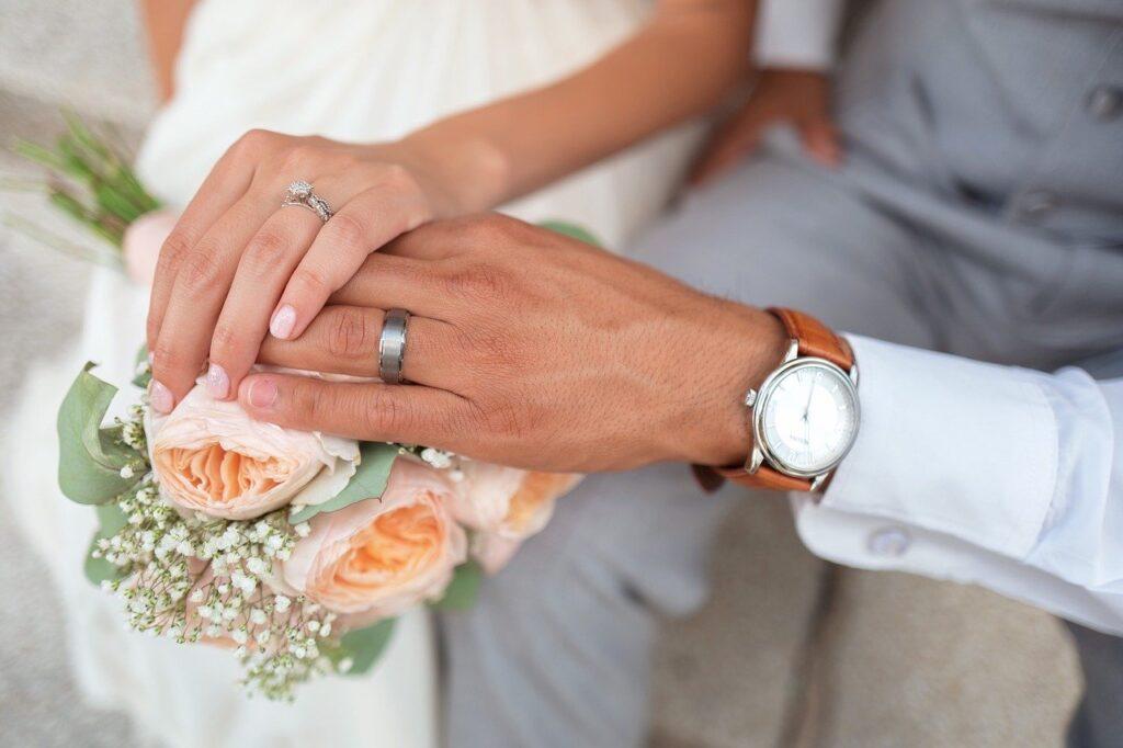 Risiko Menikah dengan Suami WNA (Gambar oleh Pexels dari Pixabay)