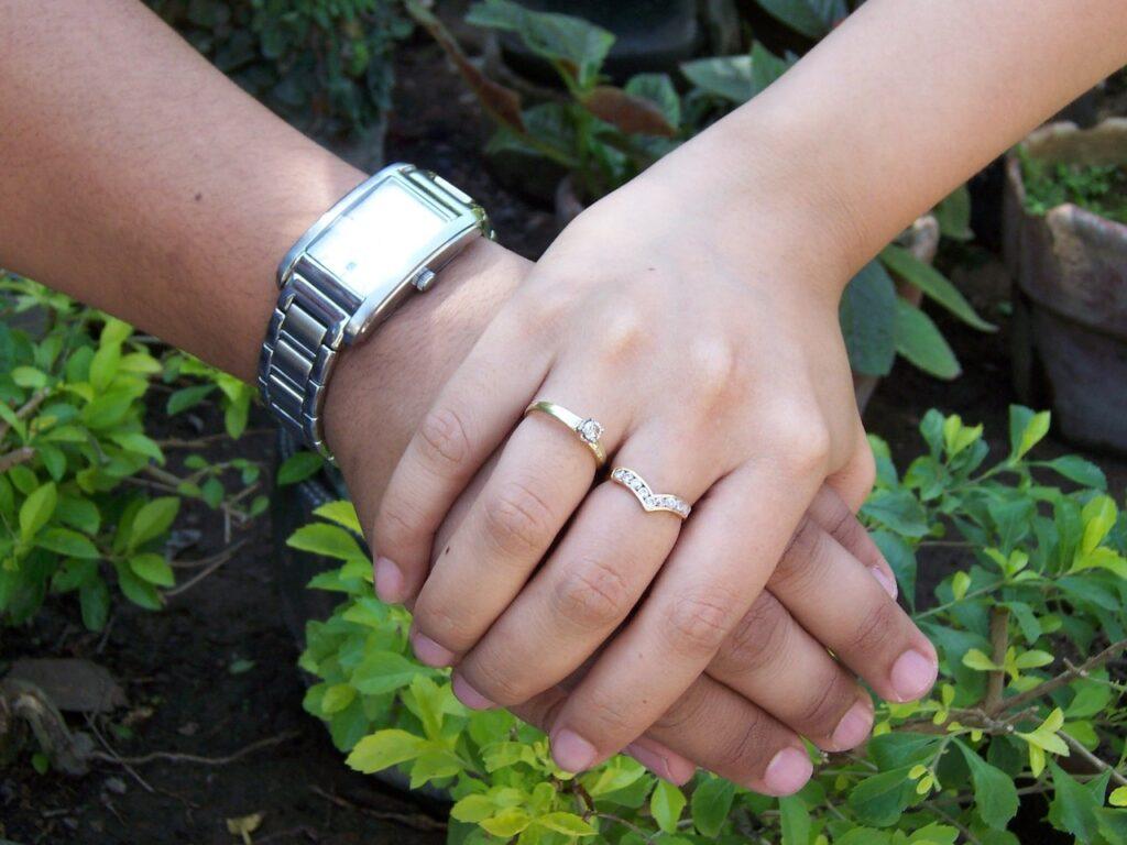 Tanda Kekasihmu Tak Serius Ingin Menikah (Foto oleh MdMartian dari freeimages.com)