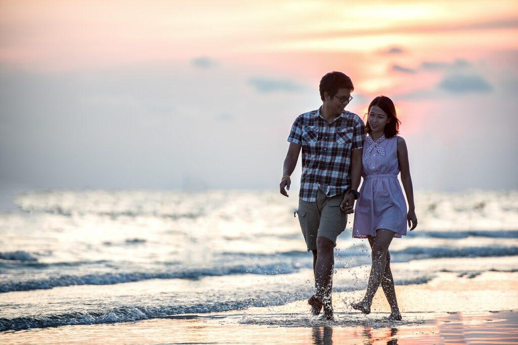 Memperkenalkan Calon Pasangan pada Orangtua (Foto oleh Sasin Tipchai dari Pixabay)