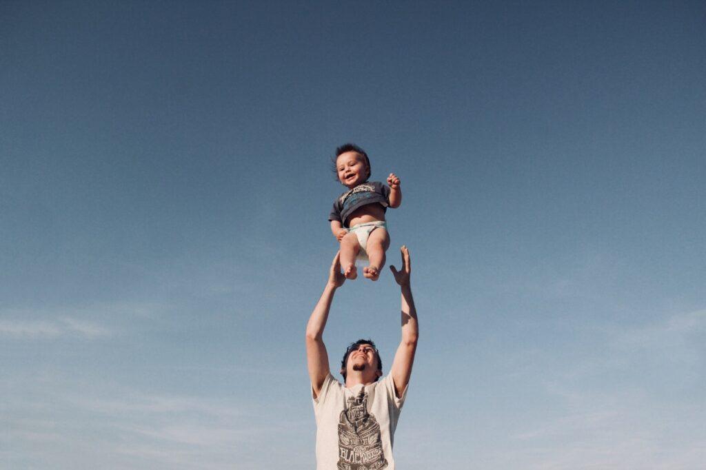 LDR dengan Pasangan, Ini Cara Menjelaskan Pada Anak (Foto dari Pexels)
