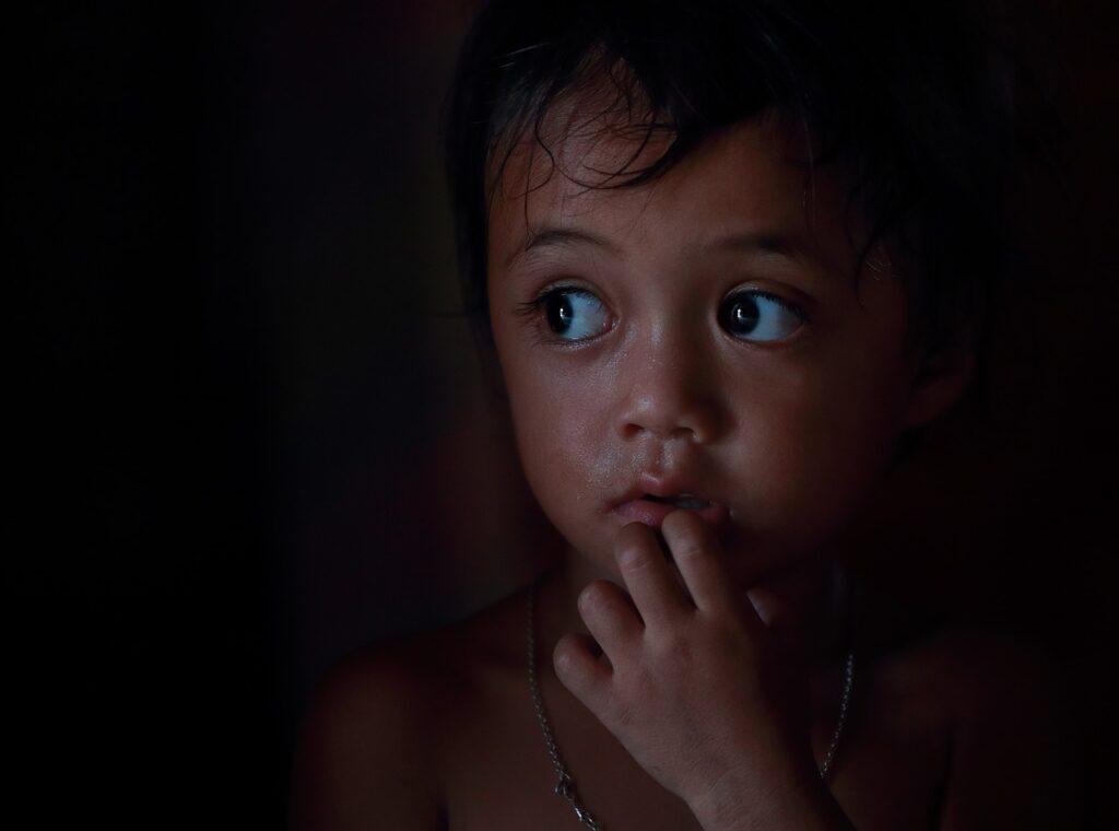 Mengatasi Kecemasan Anak (Gambar oleh ThuyHaBich dari Pixabay)