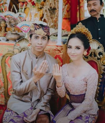 Adat Pernikahan Bali (Youtube: