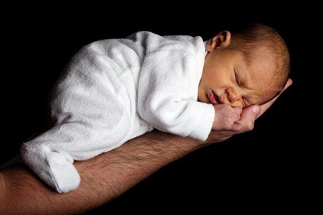 Ilustrasi Bayi Sehat Bebas Stunting (Foto: Pixabay)