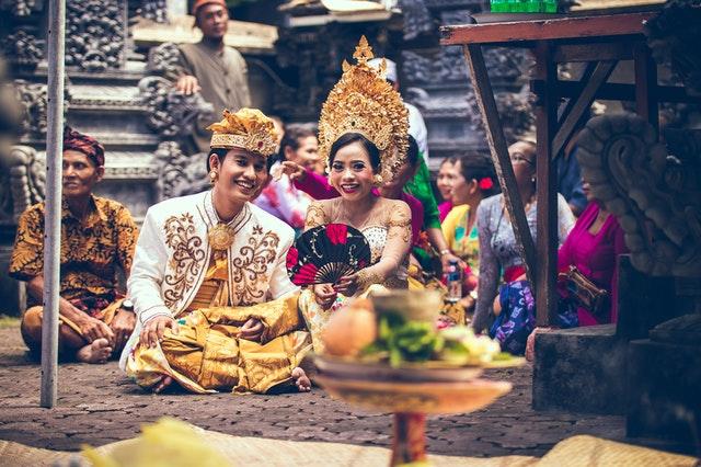 Memilih MUA untuk Pernikahan (Foto: Oexels)